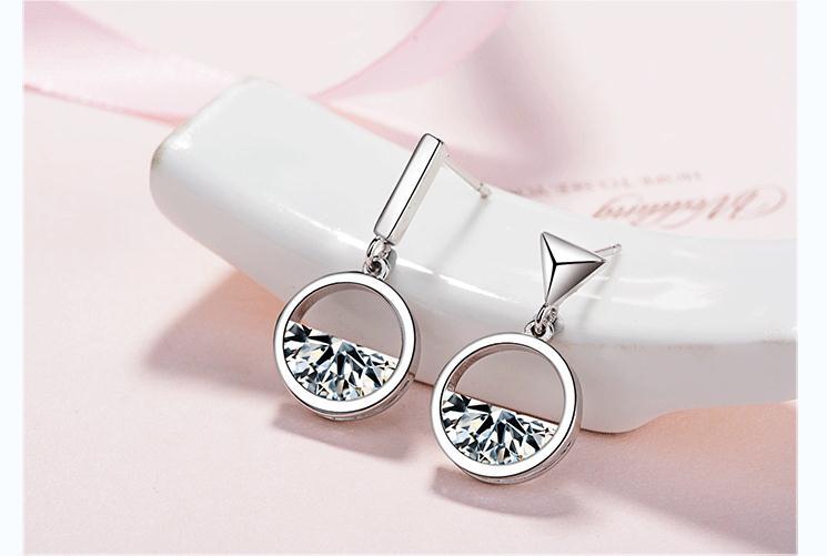 Wholesale 925 sterling silver fashion asymmetric crystal women wedding gift Anti allergy ladies stud earrings jewelry 2019 new in Stud Earrings from Jewelry Accessories