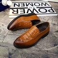 Bullock zapatos de cocodrilo en relieve de cuero de estilo Británico ronda estilista y zapatos ocasionales de los hombres.
