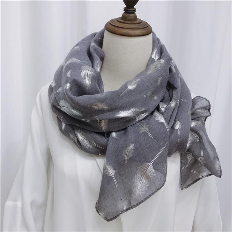 Livraison Gratuite Nouveau printemps foulards en soie châle long coton automne  chaud plume élégante écharpe femelle de Femmes Chaude argent foulards 0e54a99ba5f