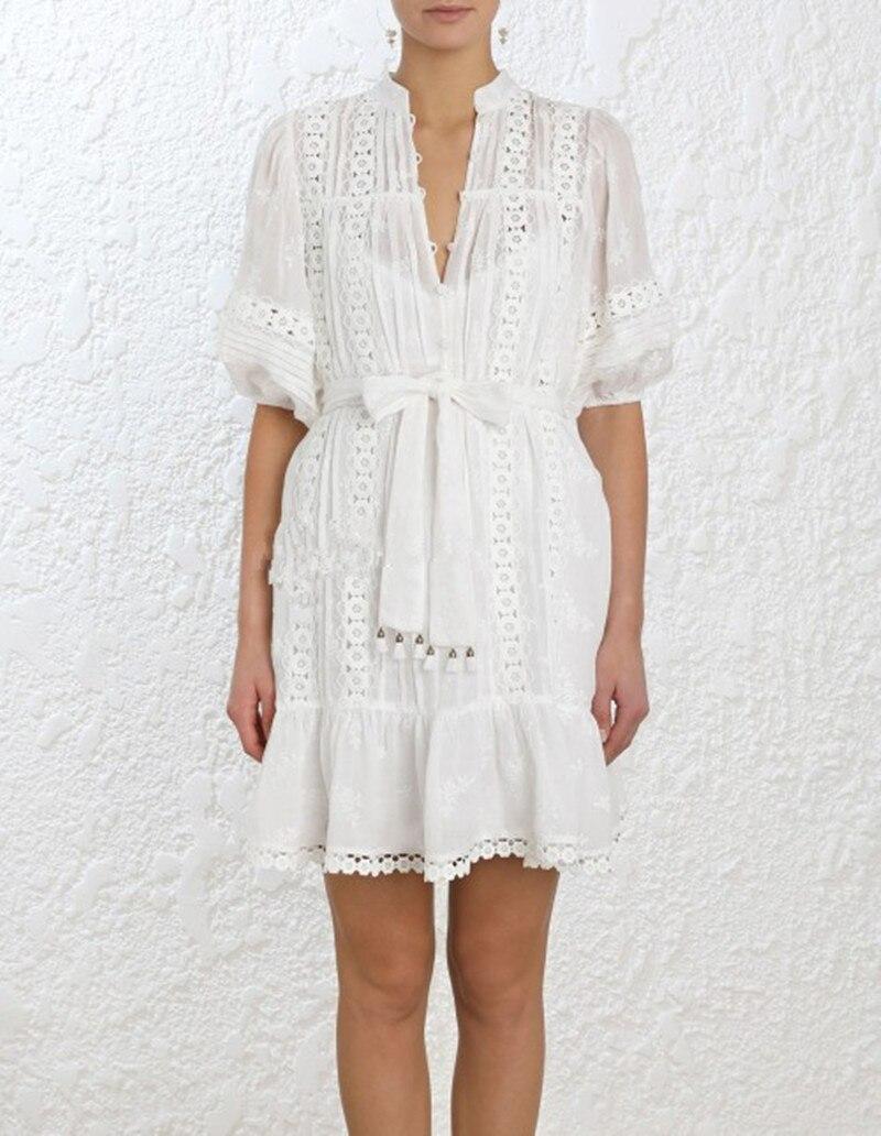 짧은 드레스 여성 흰색 짧은 소매 꽃 레이스 패치 워크 프릴 화이트 드레스 중공 느슨한 스트레이트 캐주얼 복장 벨트-에서드레스부터 여성 의류 의  그룹 2