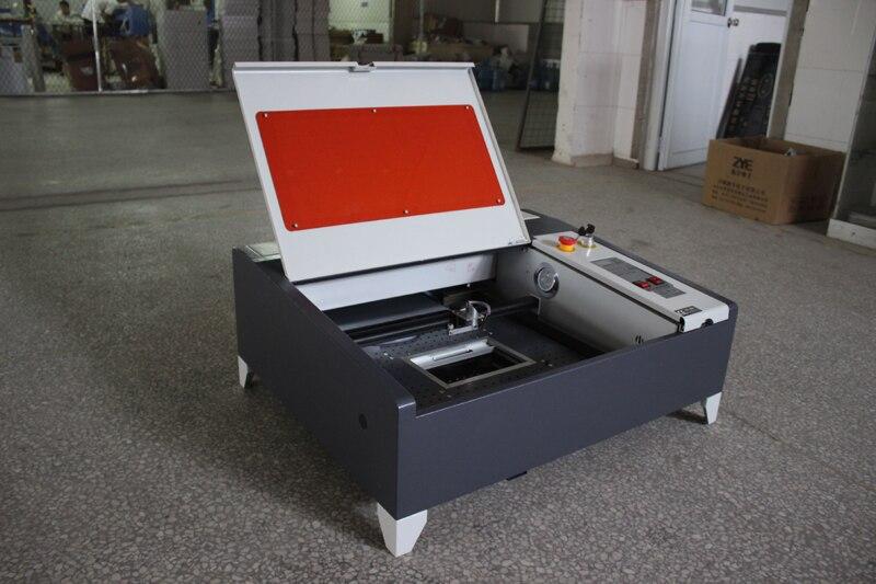 Découpeuse de table de coupe de laser de CNC de refroidissement par eau de 50 w avec la bonne qualité