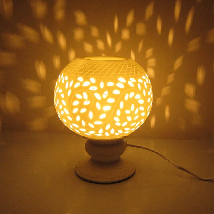 Parfum blanc lampe Plug four à huile en céramique brûleur d'encens chevet chambre salon cadeau