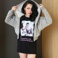 2017 Bahar T Shirt Kadın Üst Punk Alien Kaşkorse Elbise siyah ve beyaz fotoğraflar Kızlar Sokak Yapış Gevşek Uzun Kalınlaşmak pamuk