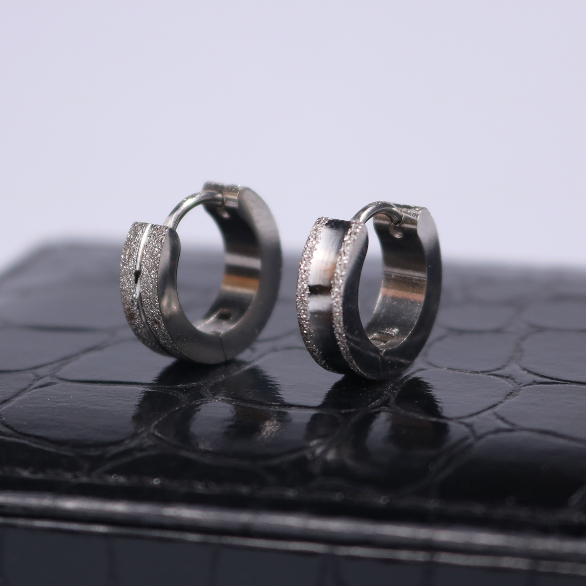 2017 Special Offer Plated Trendy Brinco New Steel Frosted Ear Buckle Men And Fashion Personality Temperament Earrings Jewelry