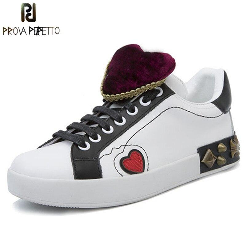 Prova Perfetto nouvelles chaussures de loisir à la mode lacets baskets femmes rouge coeur vrai cuir blanc chaussures femme Rivet à lacets chaussures plates