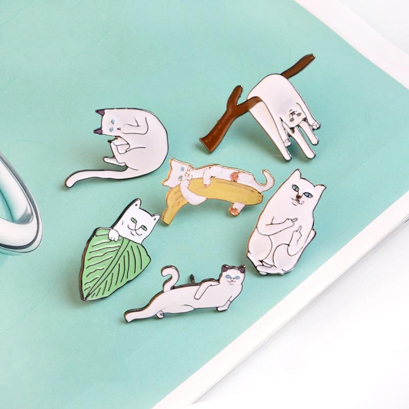 6 stks / set Witte Kat op Bladeren Takken Banaan Broche Pins Cartoon - Mode-sieraden - Foto 3