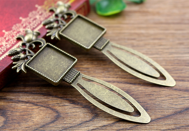 New Fashion 2pcs 20mm Inner Size Antique Bronze Vintage Square Style Handmade Bookmark Cabochon Base  Cameo Setting (I1-22)New Fashion 2pcs 20mm Inner Size Antique Bronze Vintage Square Style Handmade Bookmark Cabochon Base  Cameo Setting (I1-22)