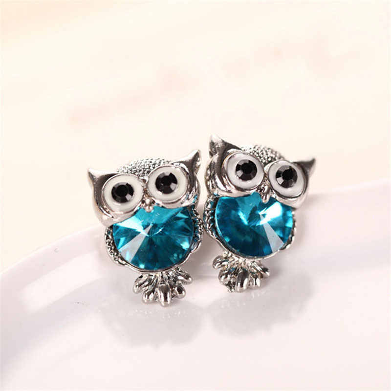 LNRRA Fashion Cute Crystal Owl Girls Stud Earrings For Women Vintage Gold-Color Animal Statement Earrings brincos accessories
