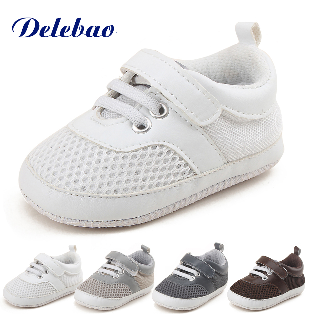 Delebao מיזוג קווי רך נעלי תינוק סופר מחיר זול ספורט הסגנון הראשון הליכונים משלוח לשלוח זוג הגרביים