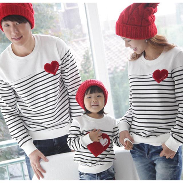 Nuevo 2016 de La Moda Paquete de La Familia de Padre e Hijo de Algodón T-shirt Ropa de La Madre y el Niño A Juego de Rayas T shirt Tops
