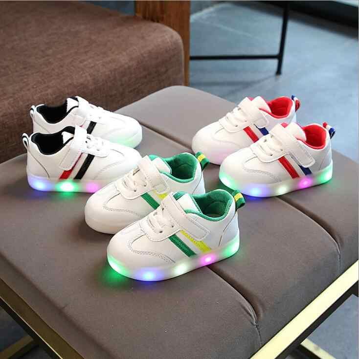 חדש לילדים נעלי בני בנות פס ספורט ריצה נעלי תינוק אורות אופנה סניקרס פעוטות ילדים LED סניקרס