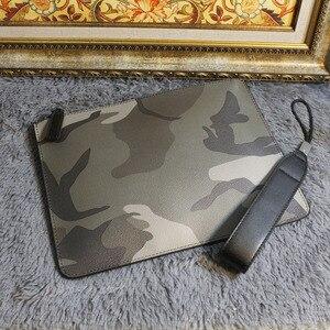 Image 1 - Nowy 2018 mężczyźni biznes duża torebka kamuflaż torba na co dzień dla mężczyzn PU Leather moda męska marka sprzęgła koperta torby na nadgarstek