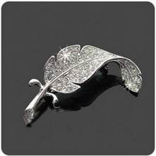 Korean Version Of Rhinestones Leaves Brooch Feather Pin Women's Men Can Wear Brooch Custom Jewelry Broches Para As Mulheres Pin(China)