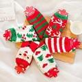 Alces de edad coral polar cálido terciopelo navidad calcetines gruesos calcetines toalla calcetines rojos