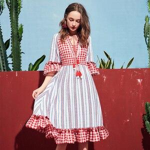 Image 5 - ARTKA 2019 קיץ חדש נשים שמלה משובצת 100% כותנה חצי שרוול ציצית V צוואר ארוך שמלת גברת אלגנטית בוהמי שמלות LA11091X