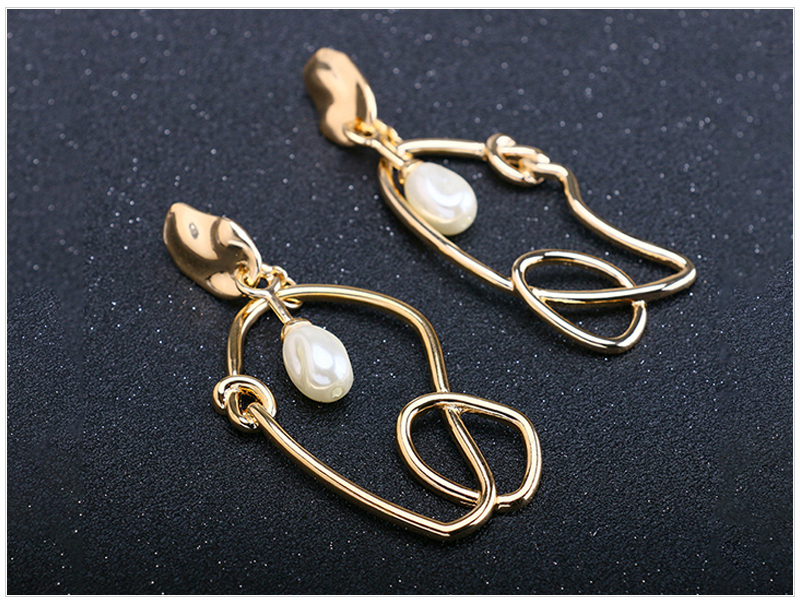 Pearl Earrings (2)