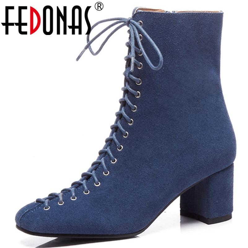 Ayakk.'ten Ayak Bileği Çizmeler'de FEDONAS Retro Zarif Kadın Inek Süet yarım çizmeler Kalın Yüksek Topuklu Sıcak Sonbahar Kış Bayanlar Ayakkabı Kadın Ofis Pompaları'da  Grup 1