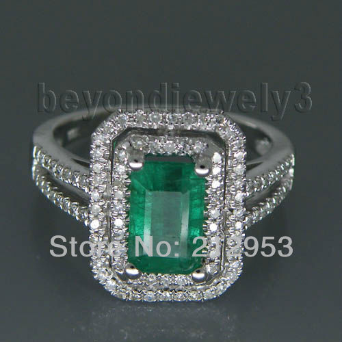 Vintage Diamonds And Natural Gemstone In 14 White Gold Columbian Emerald Engagement Ring For Sale 2T018