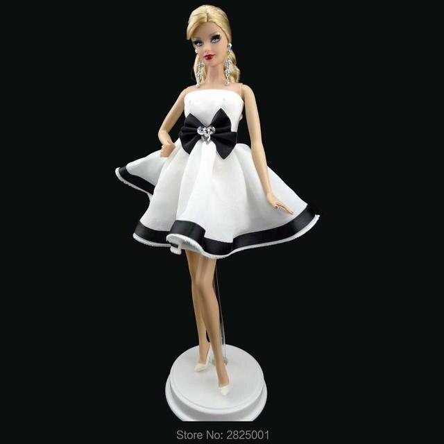 d971aab70ba31 À La Main magnifique Robe Bustier Soie Mini Robe Princesse Tenue Mariage  Fête Vêtements Pour Barbie