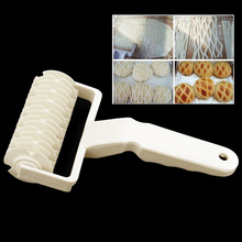 Pastry Baking Mould Plastic Netting Knife Roller Cutter Cookie Pizza Pie Lattice Special E2shopping 2019 white plastic baking tool cookie pie pizza pastry lattice roller cutter craft plastic baking knife tool 25