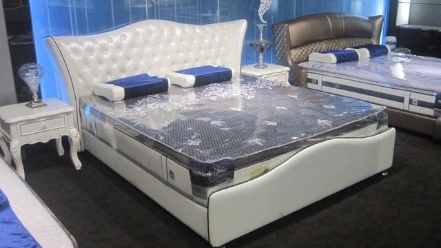 Botón de diamante copetudo contemporáneo muebles de dormitorio moderno cama de cuero genuino hechos en China