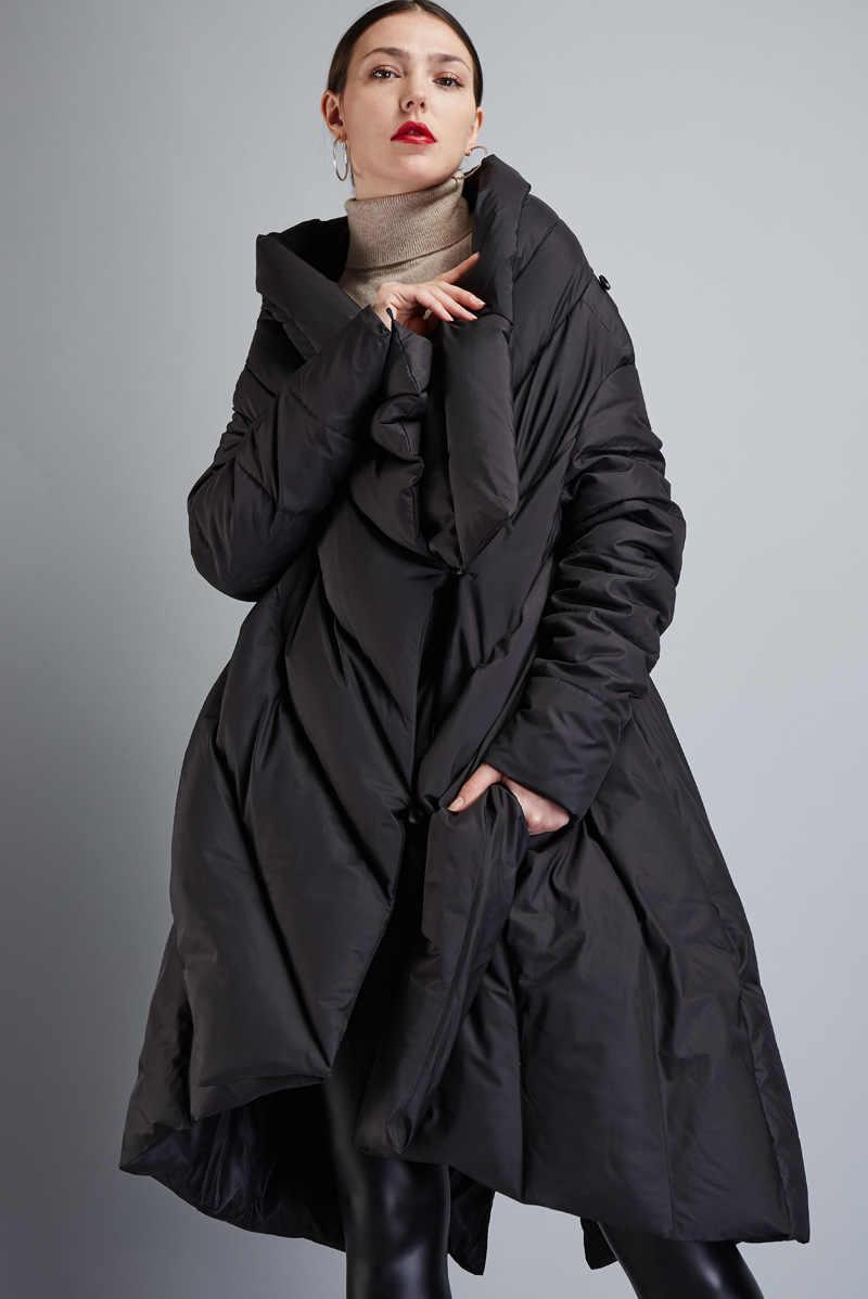 Высокое качество зимние женские европейский дизайн подиумная мода Асимметричная Длина Длинный пуховик Высококачественная брендовая пуховая куртка