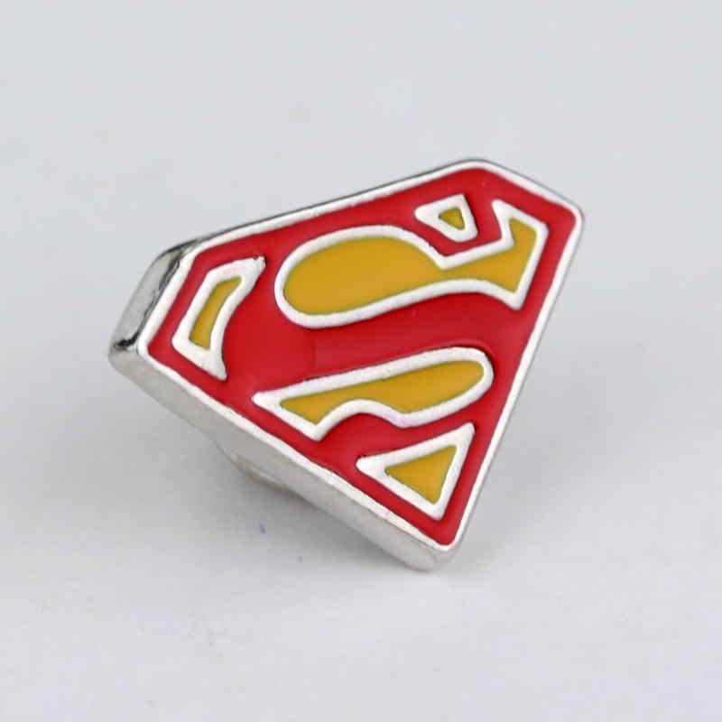 Fashion Superhero Superman Logo S Bros Lencana Pin Kualitas Tinggi Enamel Pin Dress Aksesori Perhiasan Kerah Pin Pria