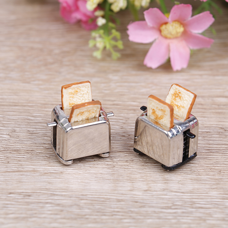 Dollhouse Mini Bread Machine With Toast Miniature Dollhouse Accessories Cute Decoration Toaster 1/12 Scale