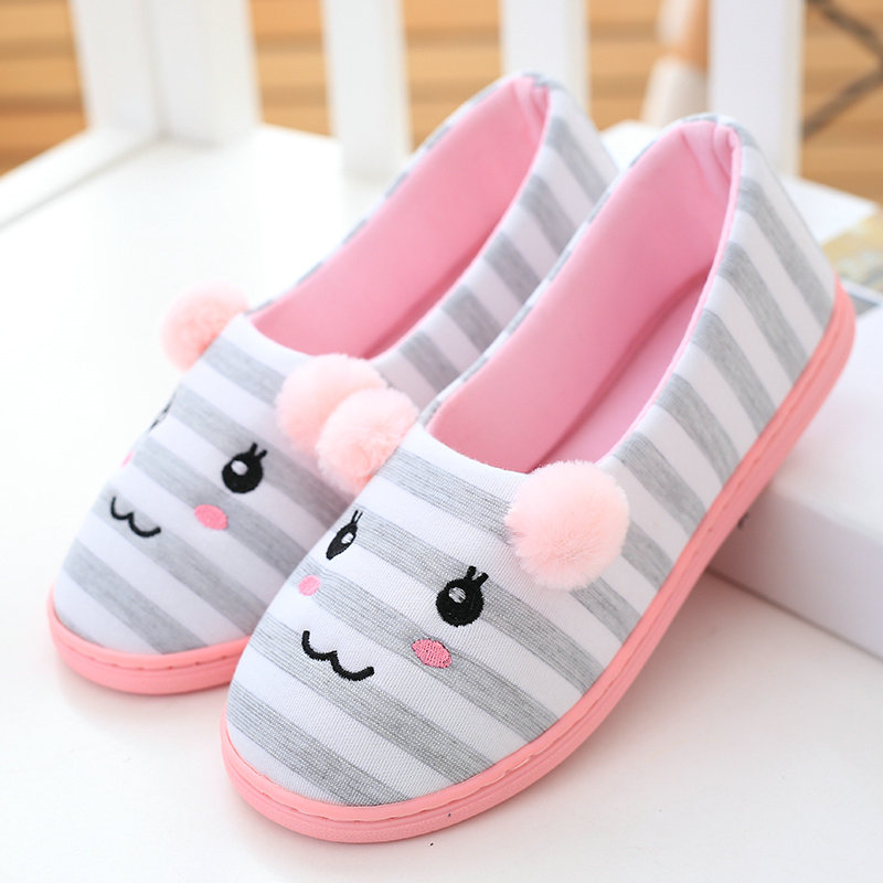 Cute bear Plush Slippers With Leaf Pantoufle Femme Women Shoes Woman House Animal Warm Big Animal Woman Funny Slippers 2017 totoro plush slippers with leaf pantoufle femme women shoes woman house animal warm big animal woman funny adult slippers