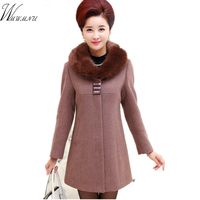 In Winter 2016 Elderly Women With Cashmere Cashmere Fabrics Fur Collar Coat Color Coat Buttons Are