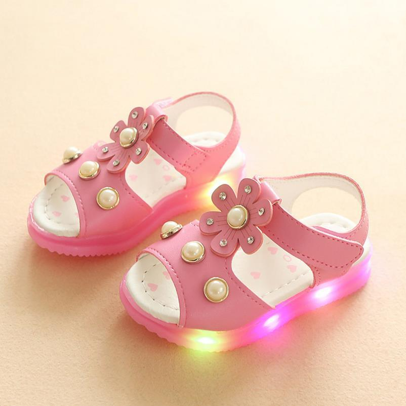 2018 summer new childrens fashion cute sandals flowers breathable girl LED sandals size 21-25