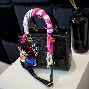Image 4 - 2020 Luxury Fashion Diamonds Womens Handbags Shoulder Messenger Bag Crocodile Pattern Crossbody Bags Drill Rhinestone Butterfly
