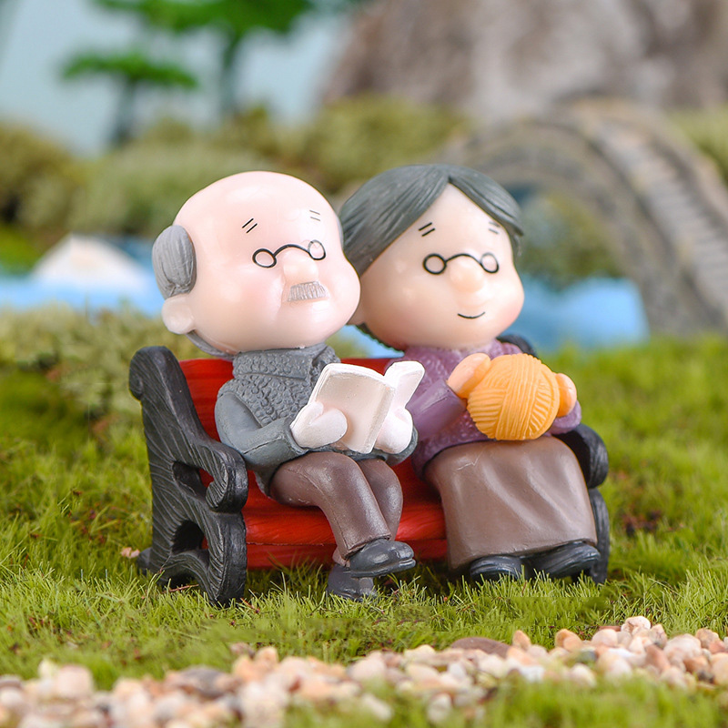 3Pc Kawaii Figures Chair Book Grandfather Grandmother Old Couple DIY Mini Fairy Garden Decoration Ornament Figurines Miniature