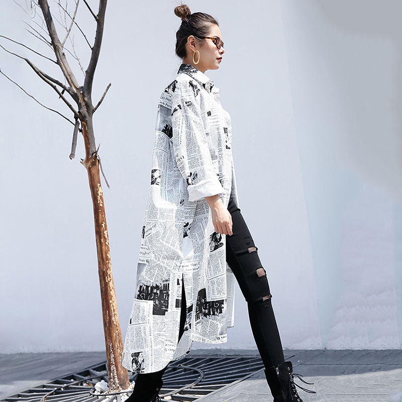 HTB1PpxIbQWE3KVjSZSyq6xocXXay - [EAM] new Spring Autumn Lapel Long Sleeve White Printed Loose Irregular Big Size Long Shirt Women Blouse Fashion Tide JF008