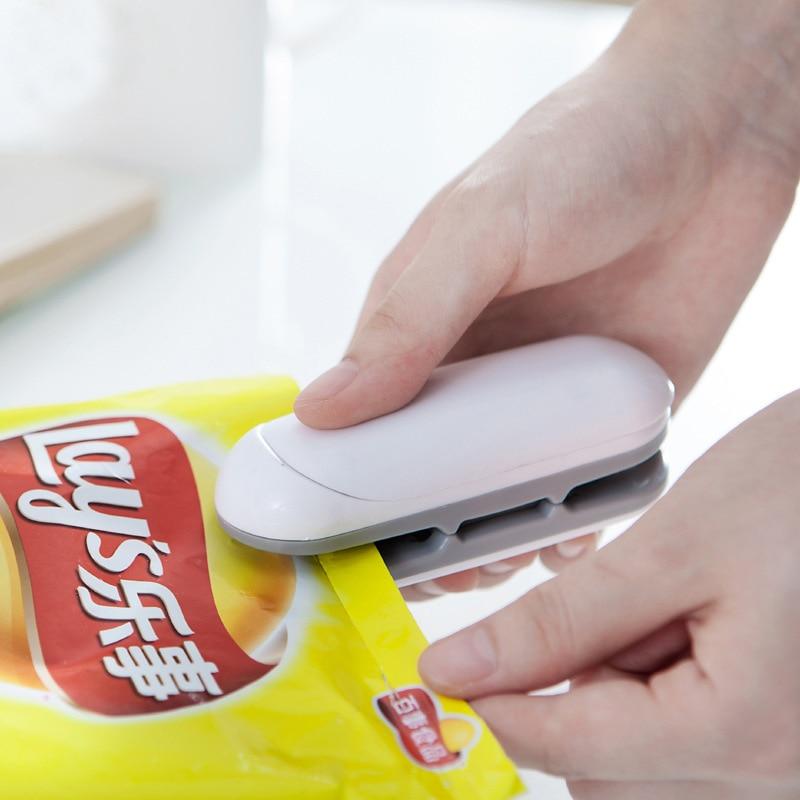 Sarmocare Portable Mini Sealing Household Machine Heat Sealer Capper Food Saver For Plastic Bags Package Mini Gadgets