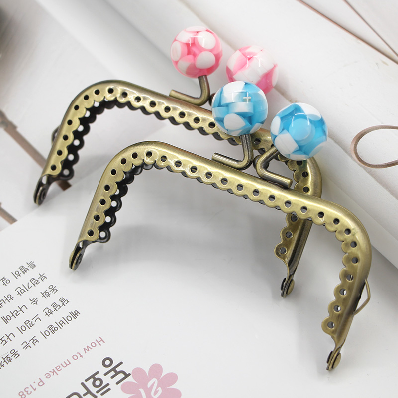 8.5cm Antique Bronze Purse Frame candy Kiss Lock Wholesale Fashion Antique Brass Metal Purse Handle 10 Candy Colors Purse Frame