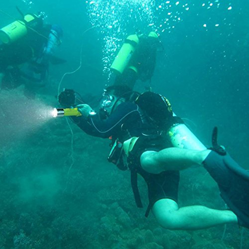 PANYUE Diving Light XM L T6 10W Diving Flashlight 1000LM Underwater Led Dive Light Lamp Lanterna Scuba Flashlight in Flashlights Torches from Lights Lighting