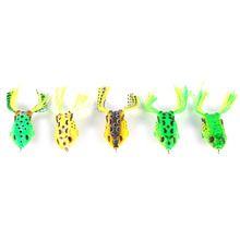 5pcs/box Mix Topwater Frog Fishing Lure Artificial Frog Bait Skirt Double Crank Hook Tackle Bass Simulation Soft Fishing Kit