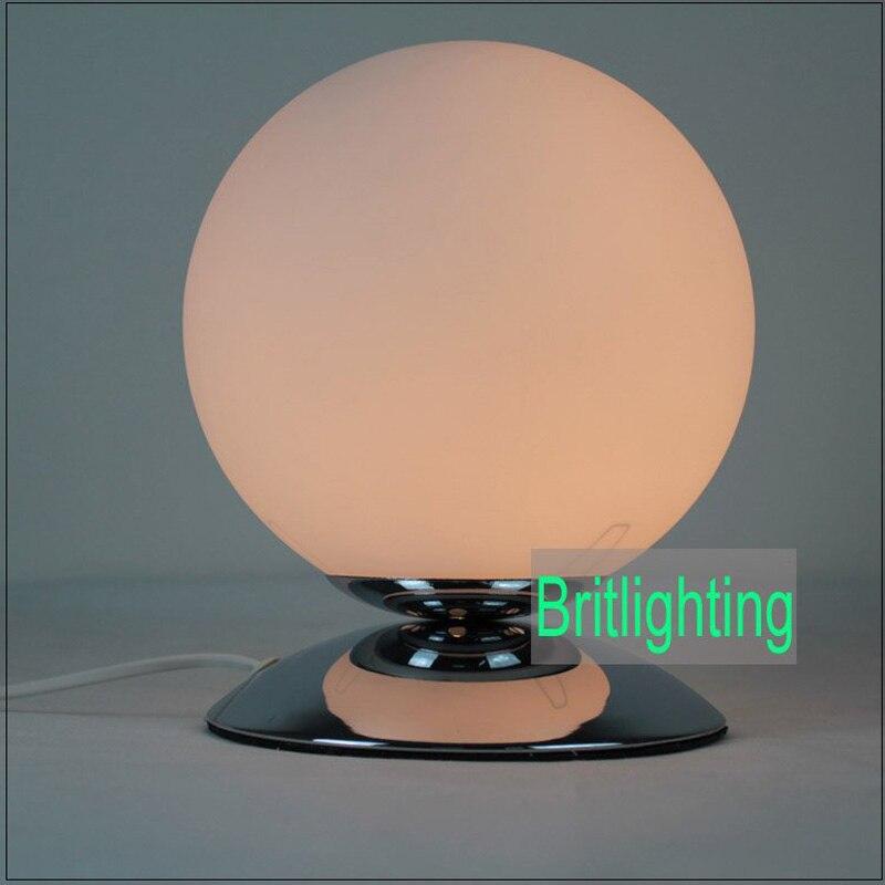 Современная настольная лампа с стекла led Настольная лампа Кабинет белый стекло настольная лампа прикроватная огни украшения стола исследование лампы настольные лампы для спальни лампа прикроватная петарды