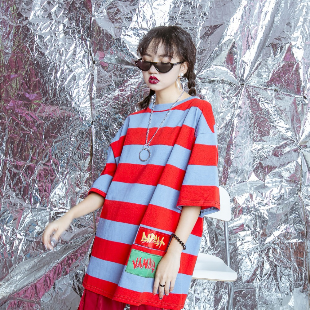 Original design hip-hop girl BF color stripe, embroidery, letters, characters posted five points, sleeve loose T-shirt.