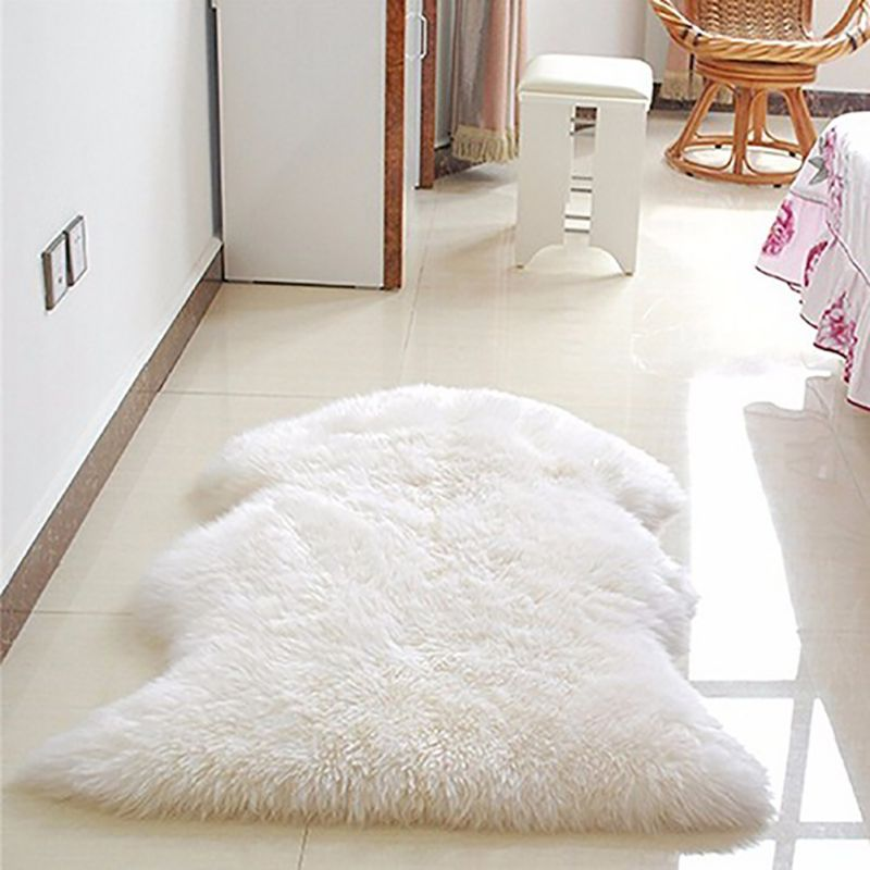 Skin Fur Artificial Sheepskin Hairy Carpet for Living Room Children Bedroom Rugs Plain Fluffy Area Rug Washable Bedroom Faux Mat