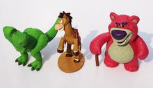 9 sztuk partia toy story Buzz lightyear Woody Jessie Lotso niedźwiedź Rex dinozaur little green men rysunek zabawki tanie tanio 5-7 lat 8-11 lat 2-4 lat Pierwsze wydanie Zapas rzeczy Model Żołnierz gotowy produkt 3-9cm Wyroby gotowe 1 60 Unisex leqemao