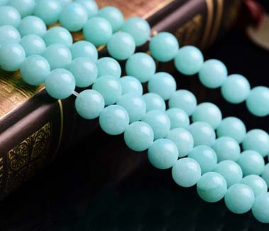 Craft materials over the United States amazonite beads looses