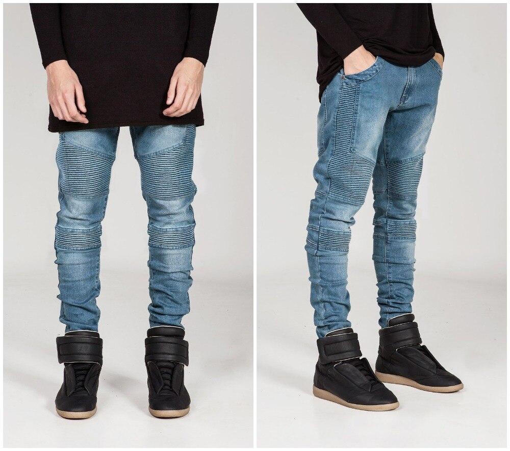 f151cd5d781 Streetwear mens strappato i jeans biker del motociclo di modo degli uomini  del homme slim fit nero bianco blu moto denim pantaloni pantaloni scarni  uomini ...