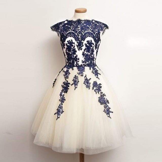 Ball Gown Scoop Cap Sleeve Royal Blue Lace Appliques Knee Length Prom  Dresses vestidos de renda Short Homecoming Dresses d360fdd8f