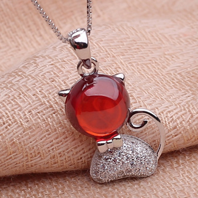 The new cat cat 925 Sterling Silver Garnet Necklace Pendant Jewelry wholesale brand ethnic fashion