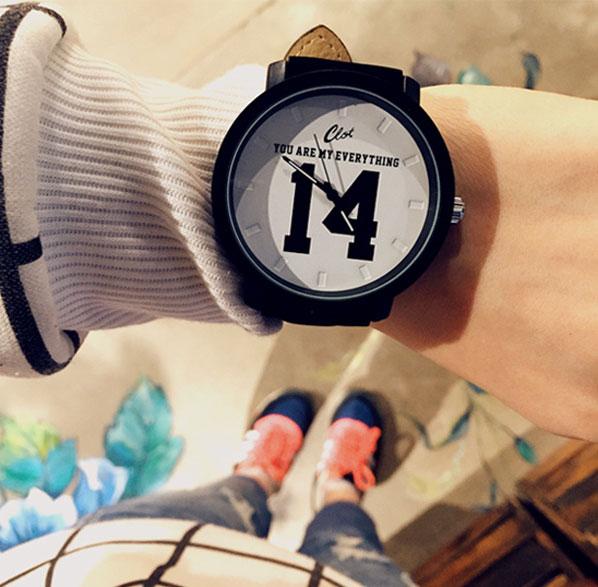 Модные горячие продажи превосходный кварцевые аналоговые искусственная черные наручные часы с кожаным ремешком с номером 13 и 14 - Цвет: White 14