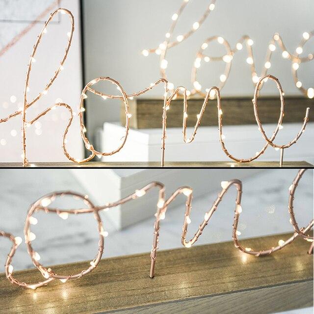 Lámpara de noche operada por batería, Base de madera nórdica, hierro amor, letra para el hogar, luz de noche, cómoda lámpara de escritorio para dormitorio, adorno de moda cálido
