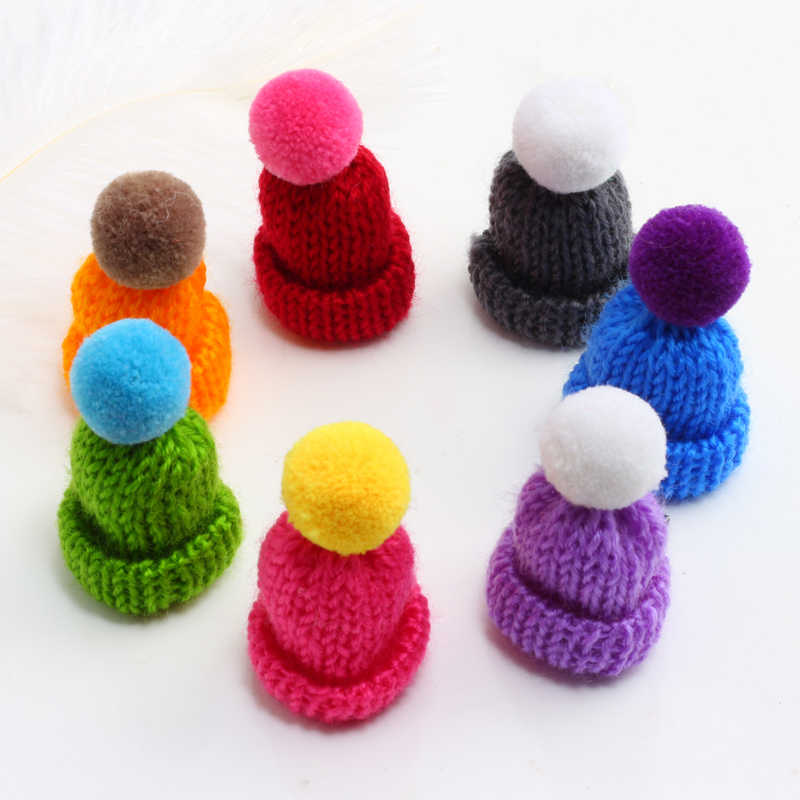Sweet Heart Brooches For Girl Cute Woolen Knitting Hat Pin Clothing Sweater Collar Women Jewelry&Accessories Students Child Gift