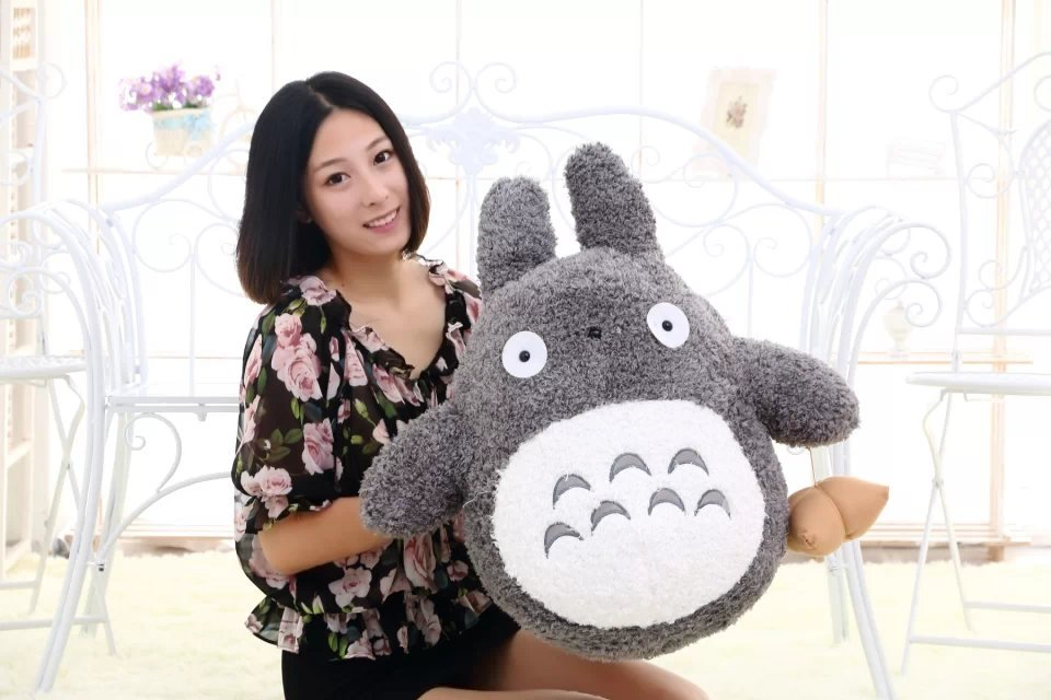 Gros jouet en peluche Totoro belle poupée totoro gris foncé avec des boulettes de riz cadeau environ 60 cm 0370